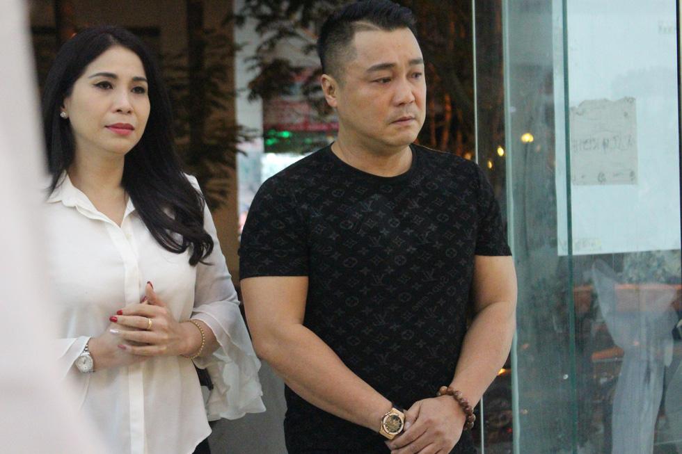 Ca sĩ Giao Linh, diễn viên Lý Hùng, Kiều Minh Tuấn... viếng nghệ sĩ Nguyễn Chánh Tín - Ảnh 6.
