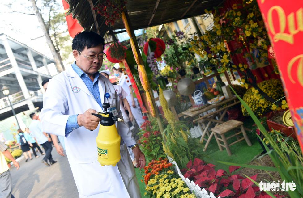Đường hoa xuân cho bệnh nhân ở Bệnh viện Chợ Rẫy - Ảnh 5.