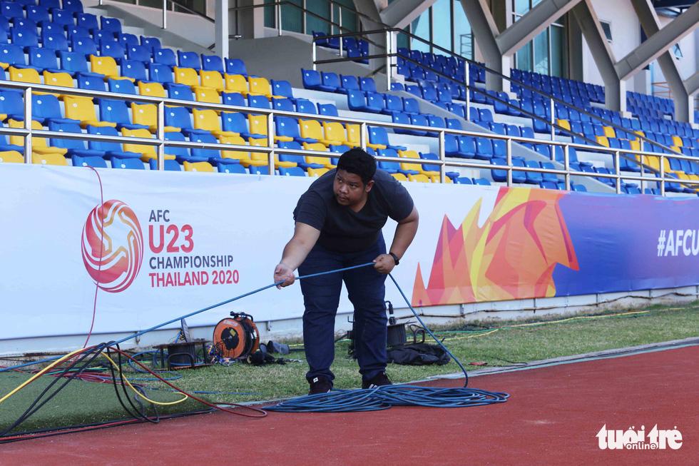 Chùm ảnh: lắp đặt hệ thống VAR để phục vụ cho VCK U23 châu Á 2020 - Ảnh 2.