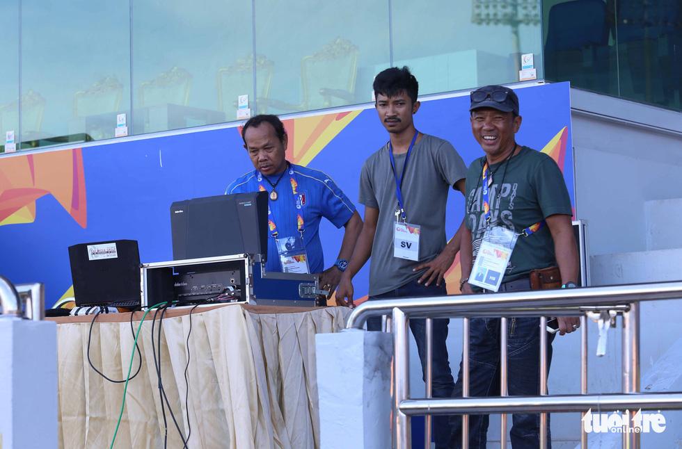 Chùm ảnh: lắp đặt hệ thống VAR để phục vụ cho VCK U23 châu Á 2020 - Ảnh 4.