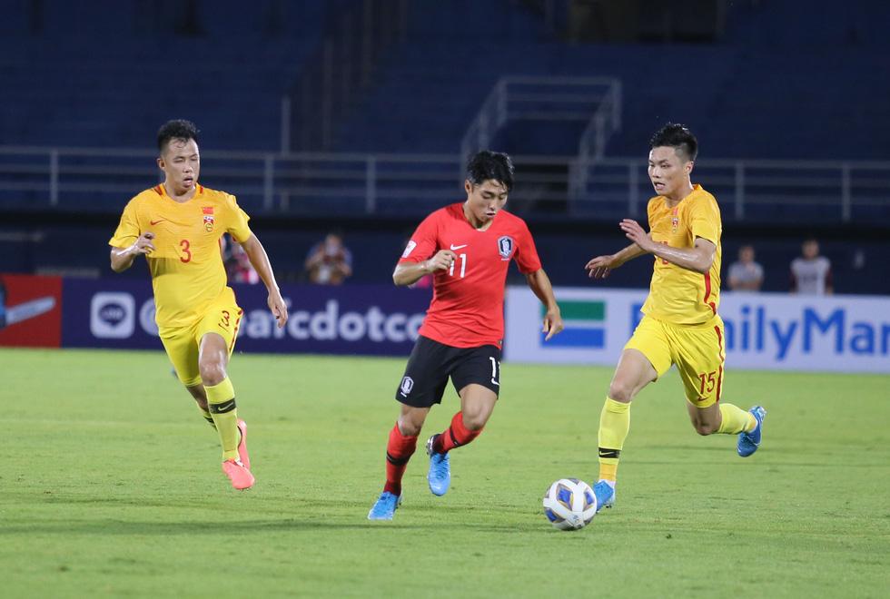 Chùm ảnh cầu thủ Hàn Quốc bùng nổ, cầu thủ Trung Quốc sụp đổ sau bàn thắng muộn - Ảnh 12.