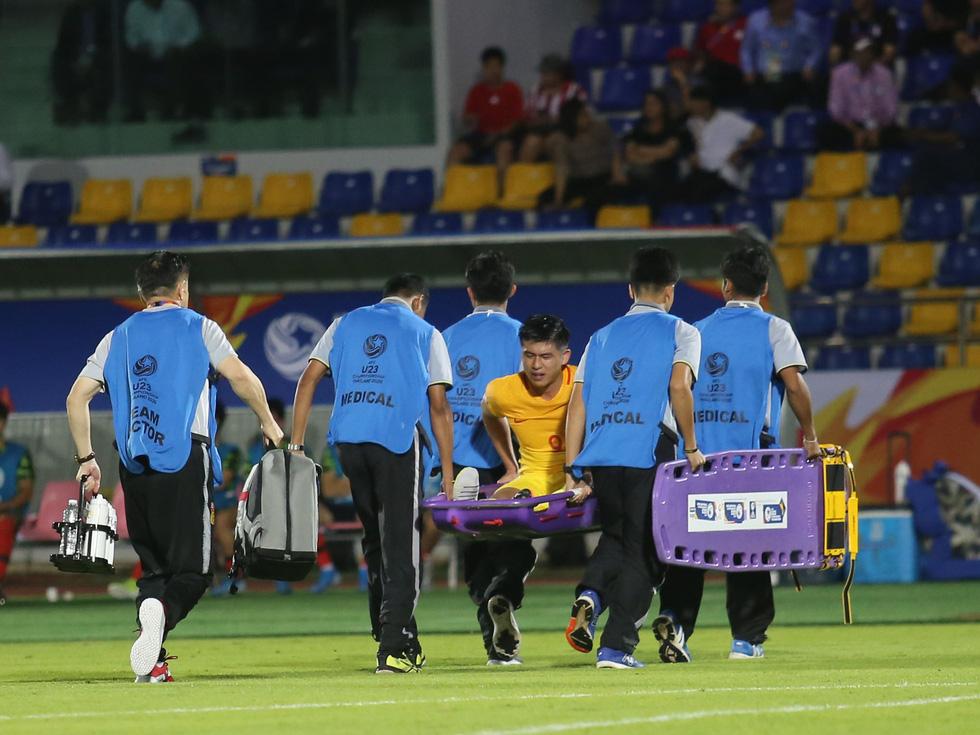 Chùm ảnh cầu thủ Hàn Quốc bùng nổ, cầu thủ Trung Quốc sụp đổ sau bàn thắng muộn - Ảnh 11.