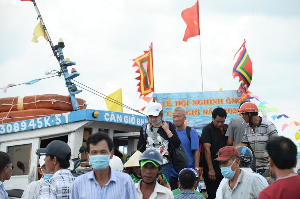 Lễ hội Nghinh Ông - Cần Giờ: Tưng bừng đường phố - Ảnh 7.