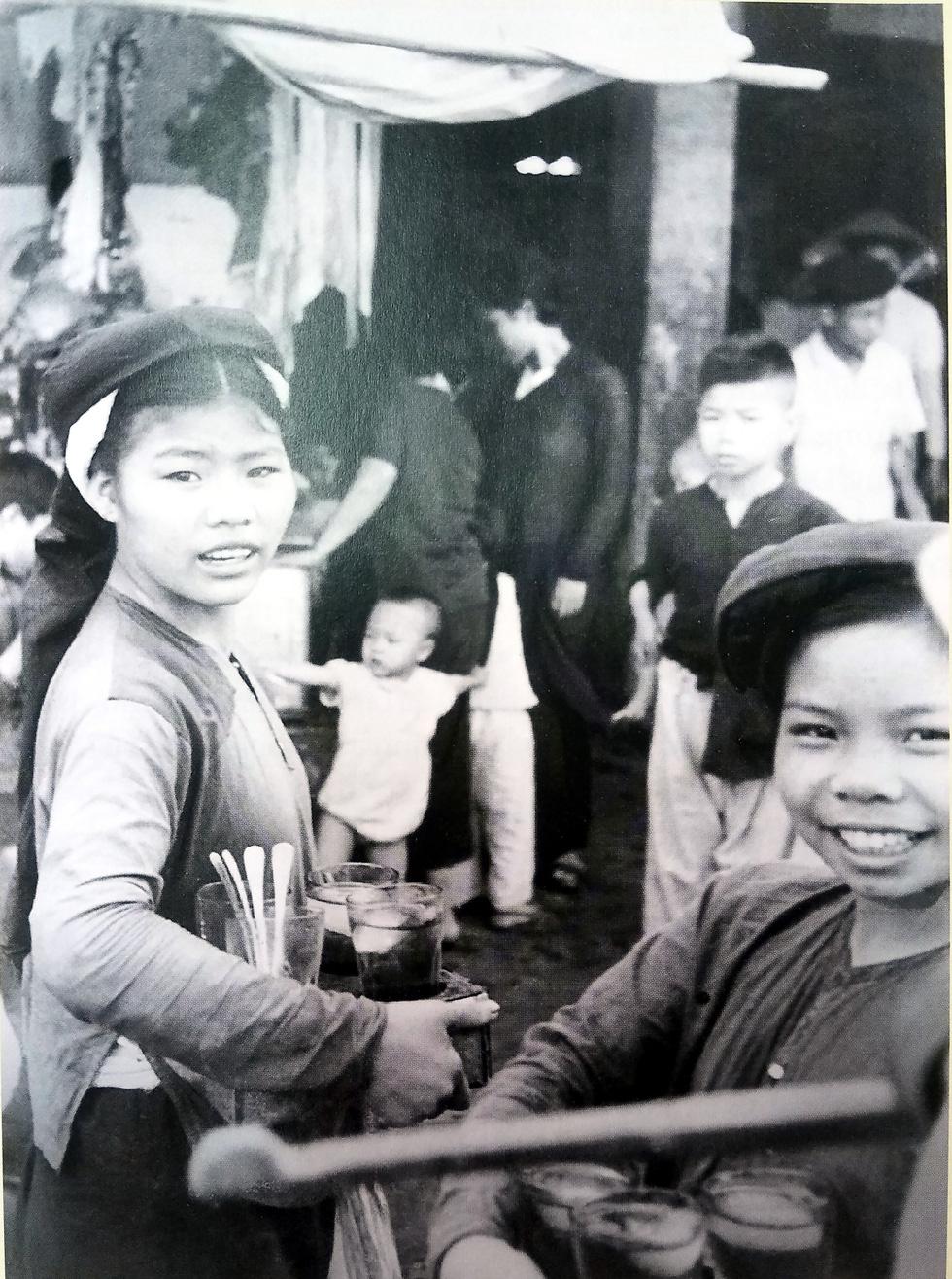 Ngắm hàng rong và nghe tiếng rao hàng trên phố Hà Nội xưa - Ảnh 9.