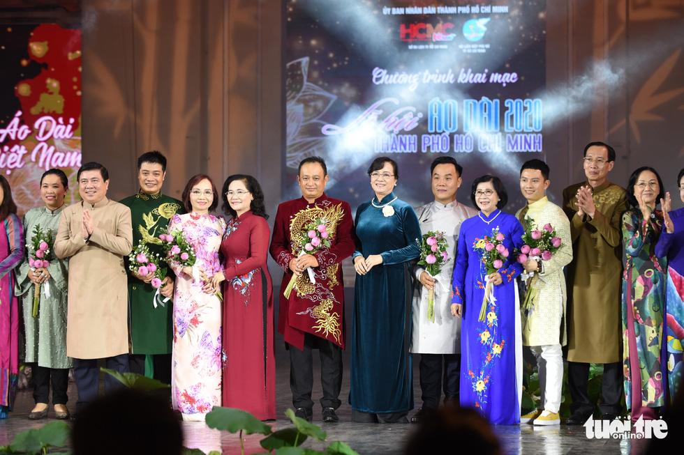 Lung linh sắc màu đêm khai mạc Lễ hội áo dài 2020 - Ảnh 10.