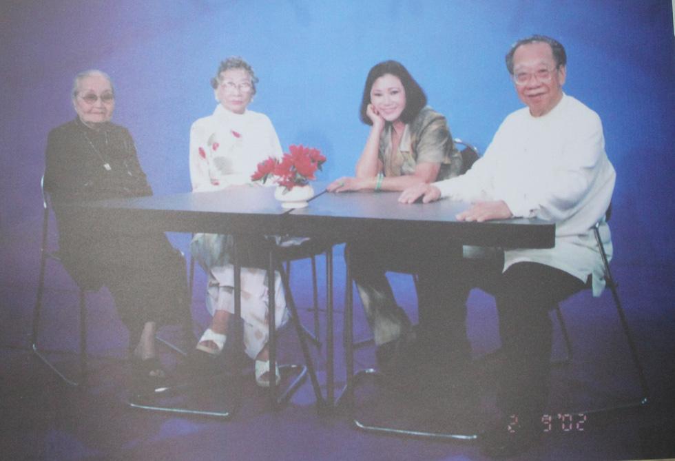 Trưng bày 100 bức ảnh về má Bảy Nam - Người mẹ trên sân khấu kịch nói Nam bộ - Ảnh 10.