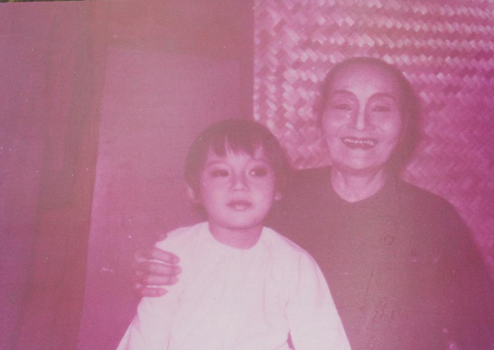 Trưng bày 100 bức ảnh về má Bảy Nam - Người mẹ trên sân khấu kịch nói Nam bộ - Ảnh 7.