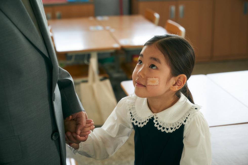Cục nợ hóa cục cưng : Số phận những đứa trẻ nhập cư trái phép - Ảnh 5.