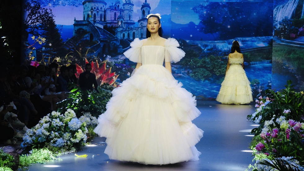 Thanh Hằng làm 'công chúa vedette' trong show diễn cổ tích The Princess - Ảnh 6.
