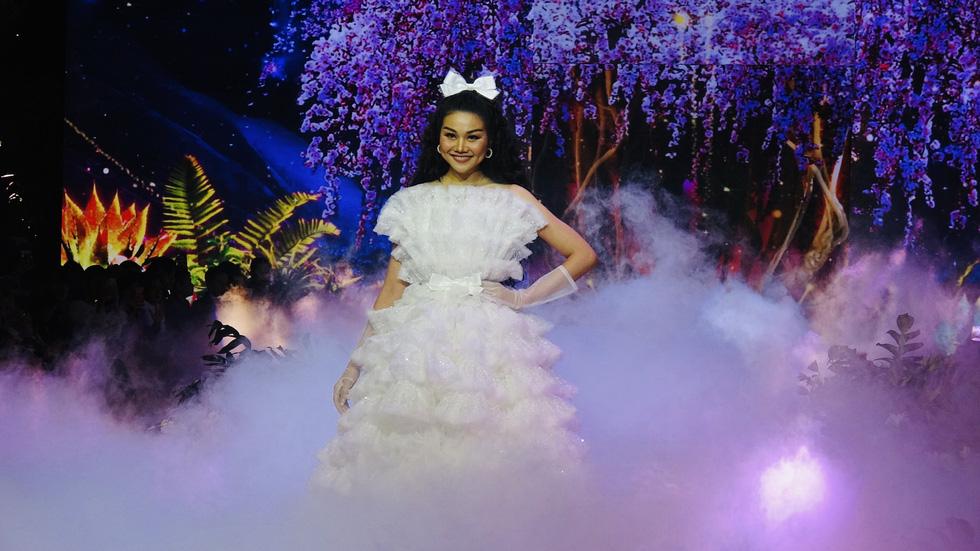 Thanh Hằng làm 'công chúa vedette' trong show diễn cổ tích The Princess - Ảnh 9.