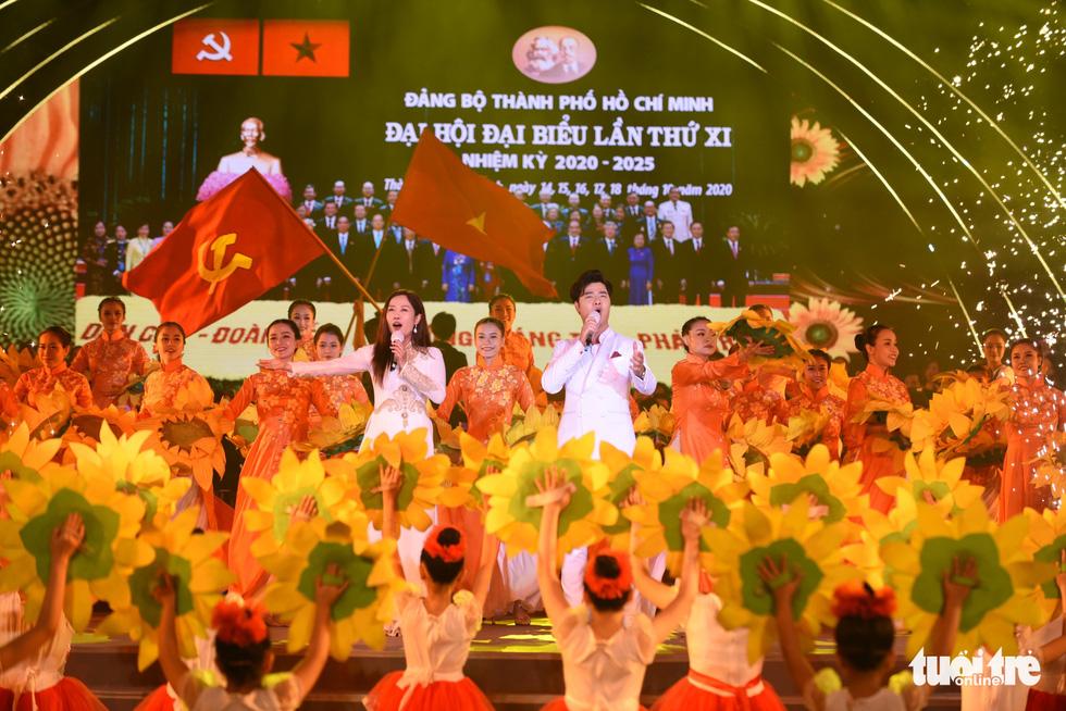 Thanh Ngân, Tạ Minh Tâm, Đàm Vĩnh Hưng hát mừng thành công Đại hội Đảng - Ảnh 2.