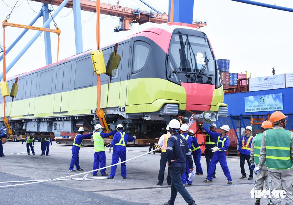 Chiêm ngưỡng đoàn tàu metro Nhổn - ga Hà Nội rời cảng Hải Phòng - Ảnh 9.