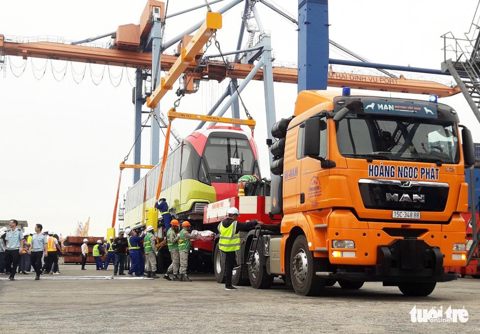 Chiêm ngưỡng đoàn tàu metro Nhổn - ga Hà Nội rời cảng Hải Phòng - Ảnh 10.