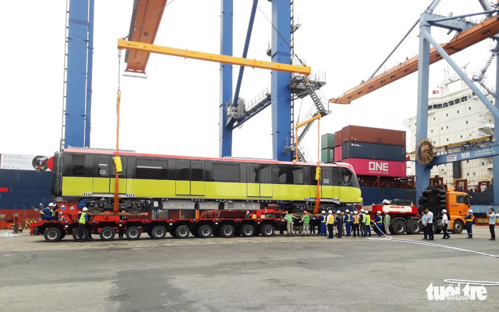 Chiêm ngưỡng đoàn tàu metro Nhổn - ga Hà Nội rời cảng Hải Phòng - Ảnh 7.