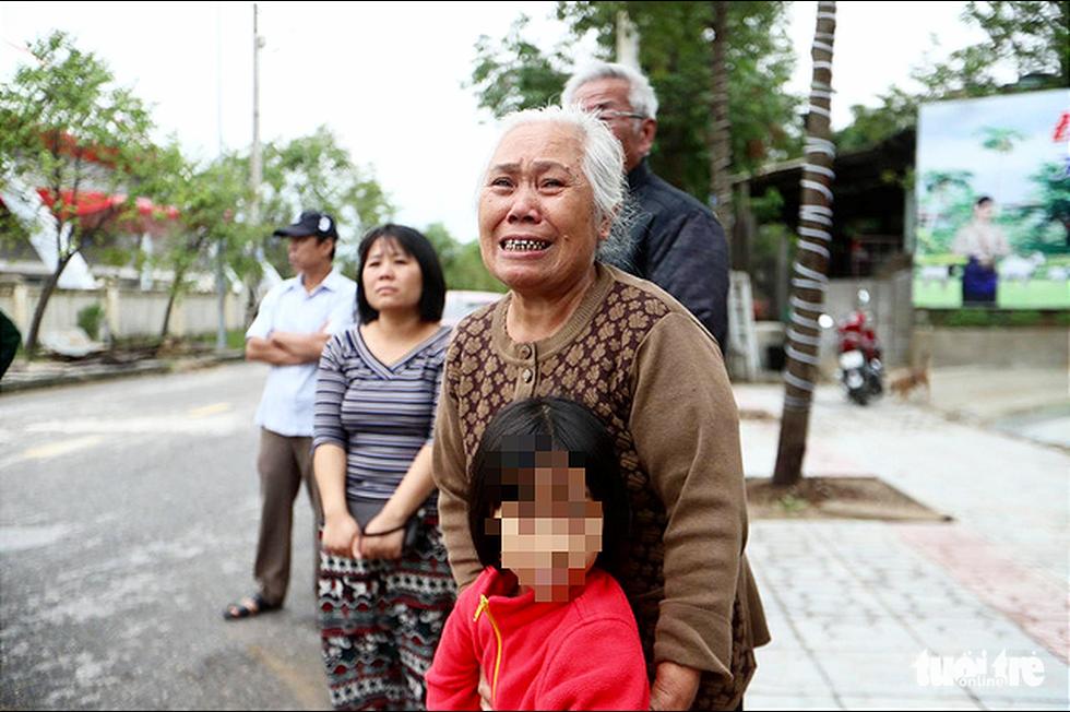 Đưa thi thể 22 chiến sĩ về Đông Hà: Nỗi đau thấu trời đất - Ảnh 3.