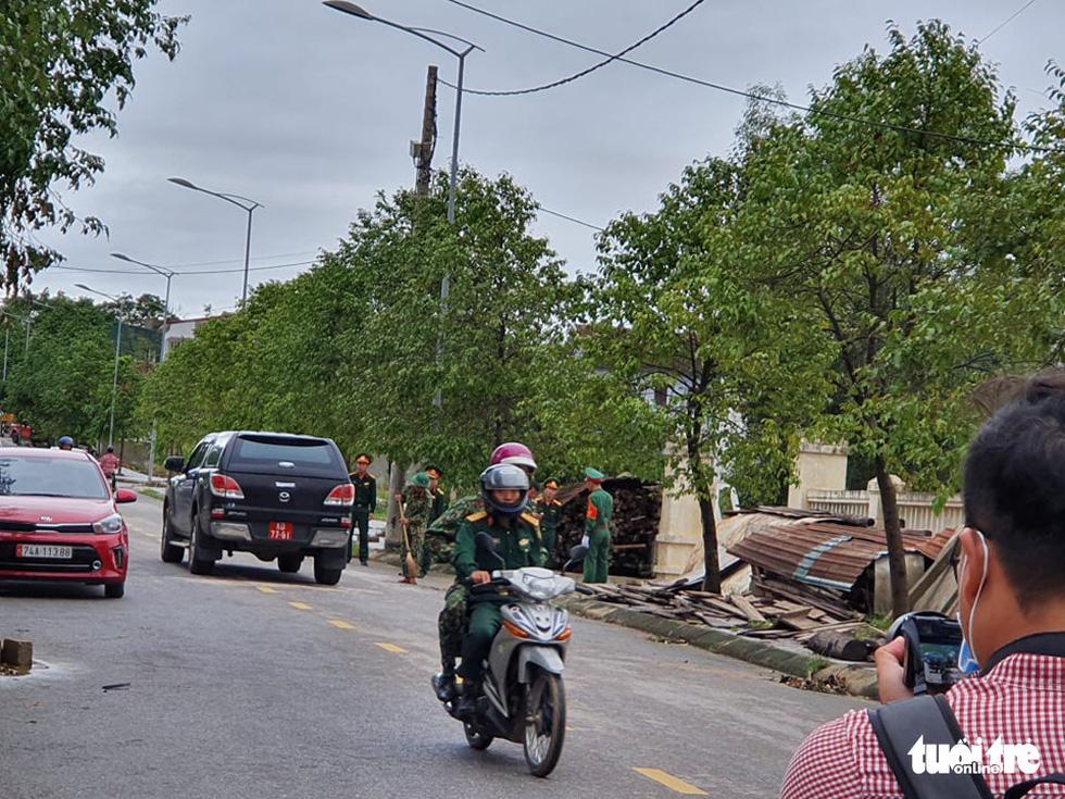 Tìm kiếm, đưa thi thể 22 chiến sĩ về Đông Hà: Nỗi đau thấu trời đất - Ảnh 17.