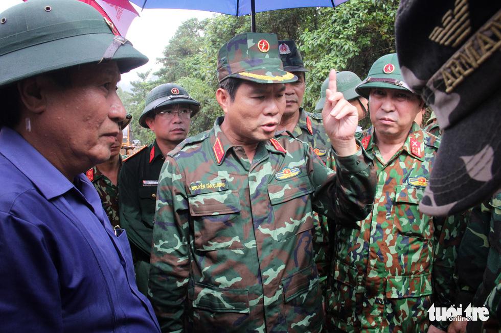 Vụ vùi lấp 22 cán bộ chiến sĩ ở Quảng Trị: Vì đồng đội đi về phía núi - Ảnh 4.