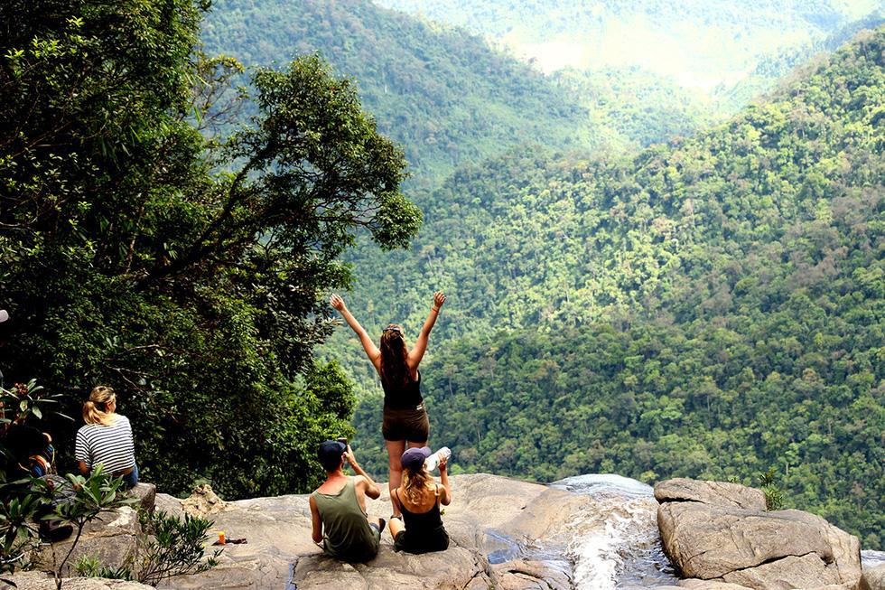 Trên đỉnh núi thiêng Bạch Mã - Kỳ cuối: Phải thận trọng khi chạm vào Bạch Mã! - Ảnh 5.