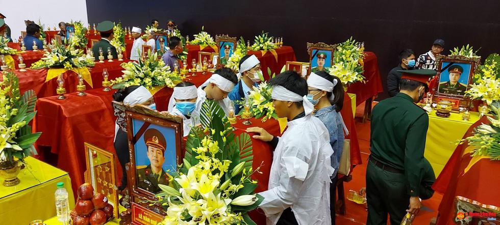 Lễ truy điệu 22 chiến sĩ Đoàn Kinh tế quốc phòng 337: Tiễn các anh về với quê nhà - Ảnh 26.
