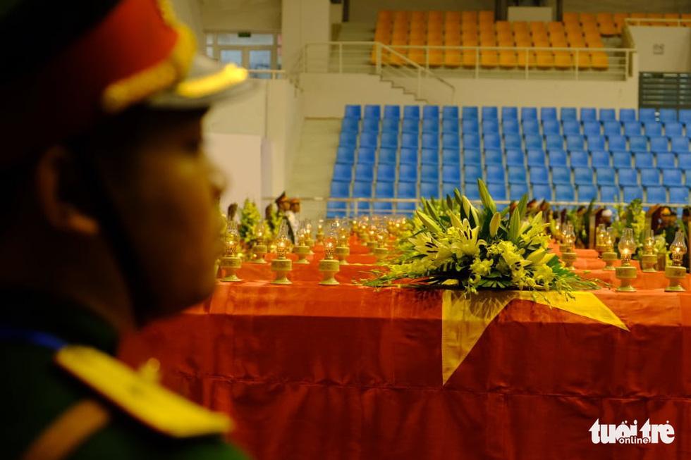 Lễ truy điệu 22 chiến sĩ Đoàn Kinh tế quốc phòng 337: Tiễn các anh về với quê nhà - Ảnh 25.