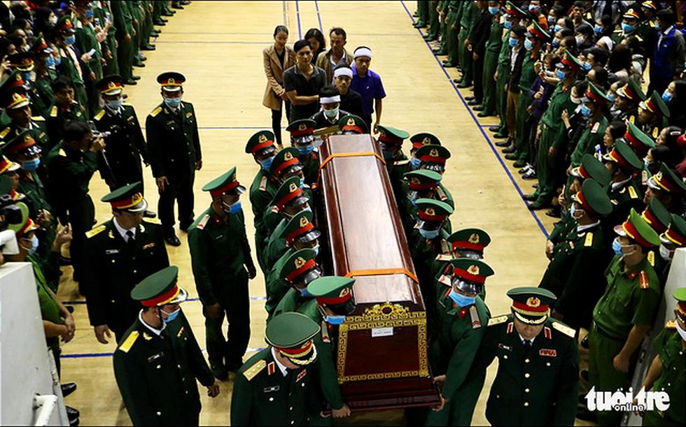 Lễ truy điệu 22 chiến sĩ Đoàn Kinh tế quốc phòng 337: Tiễn các anh về với quê nhà - Ảnh 2.