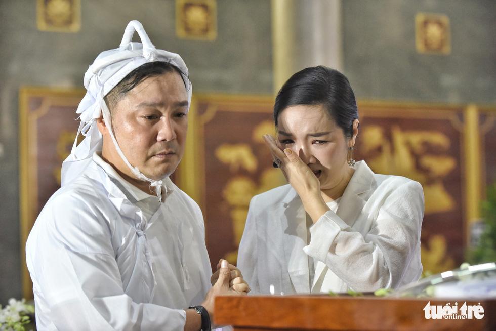 Kim Cương, Giáng My, Việt Trinh nghẹn ngào tiễn đưa nghệ sĩ Lý Huỳnh - Ảnh 7.
