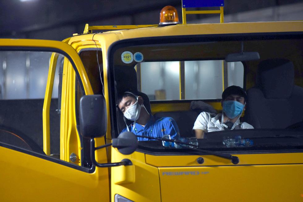 Hàng trăm người diễn tập xe bốc cháy gây tai nạn liên hoàn tại hầm Thủ Thiêm - Ảnh 2.