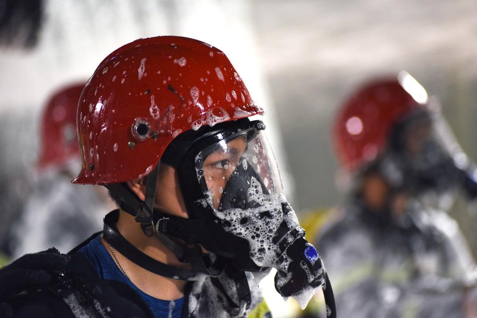 Hàng trăm người diễn tập xe bốc cháy gây tai nạn liên hoàn tại hầm Thủ Thiêm - Ảnh 4.
