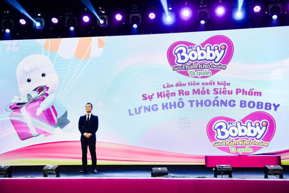 Những khoảnh khắc ấn tượng trong buổi livestream ra mắt siêu phẩm Tã quần Bobby - Ảnh 1.