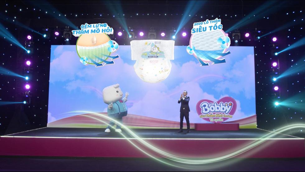 Những khoảnh khắc ấn tượng trong buổi livestream ra mắt siêu phẩm Tã quần Bobby - Ảnh 3.