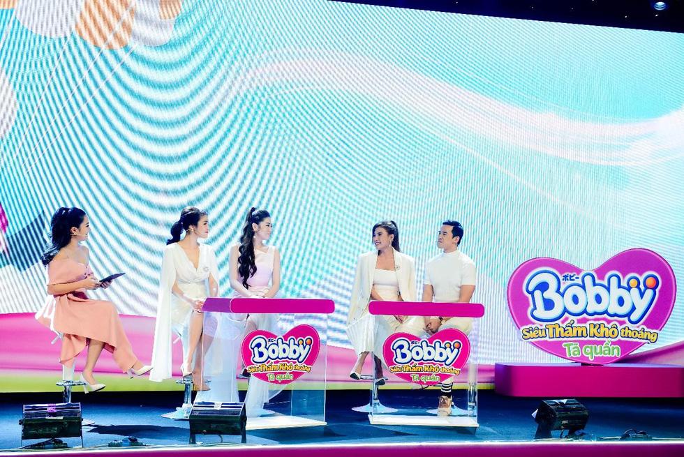 Những khoảnh khắc ấn tượng trong buổi livestream ra mắt siêu phẩm Tã quần Bobby - Ảnh 5.