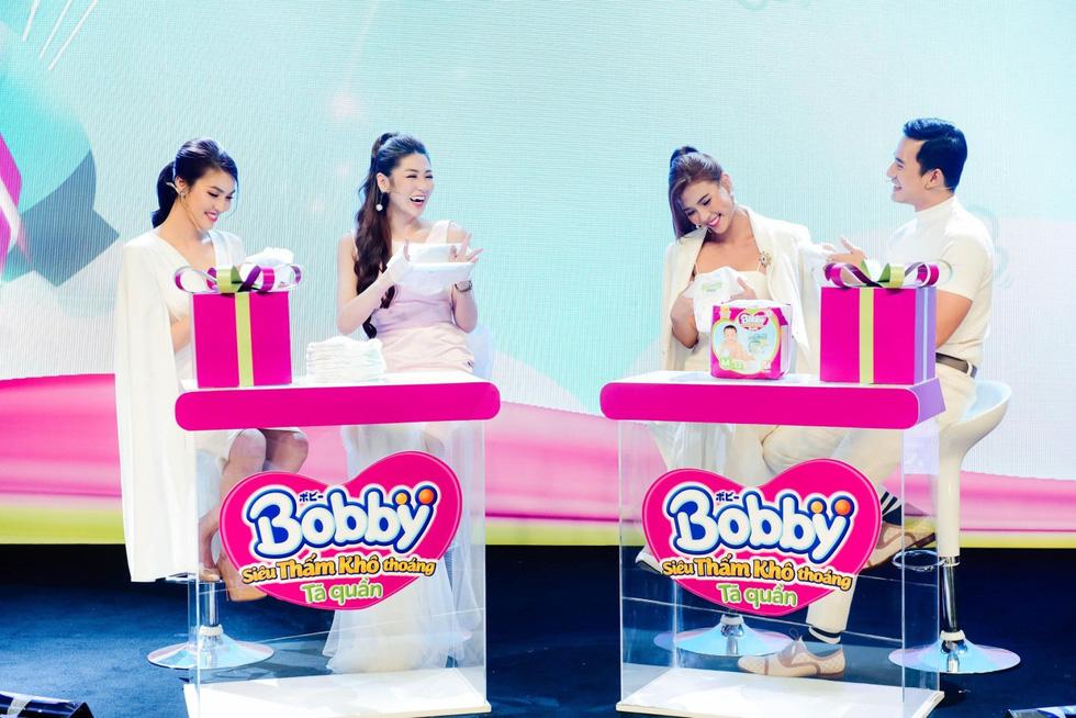 Những khoảnh khắc ấn tượng trong buổi livestream ra mắt siêu phẩm Tã quần Bobby - Ảnh 10.