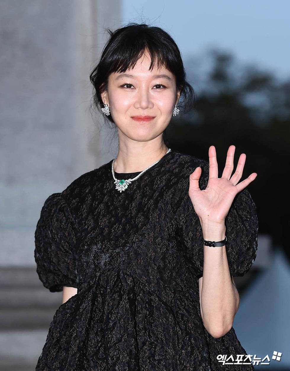 Diễn viên Hạ cánh nơi anh, Thế giới hôn nhân được Hàn Quốc trao bằng khen - Ảnh 4.