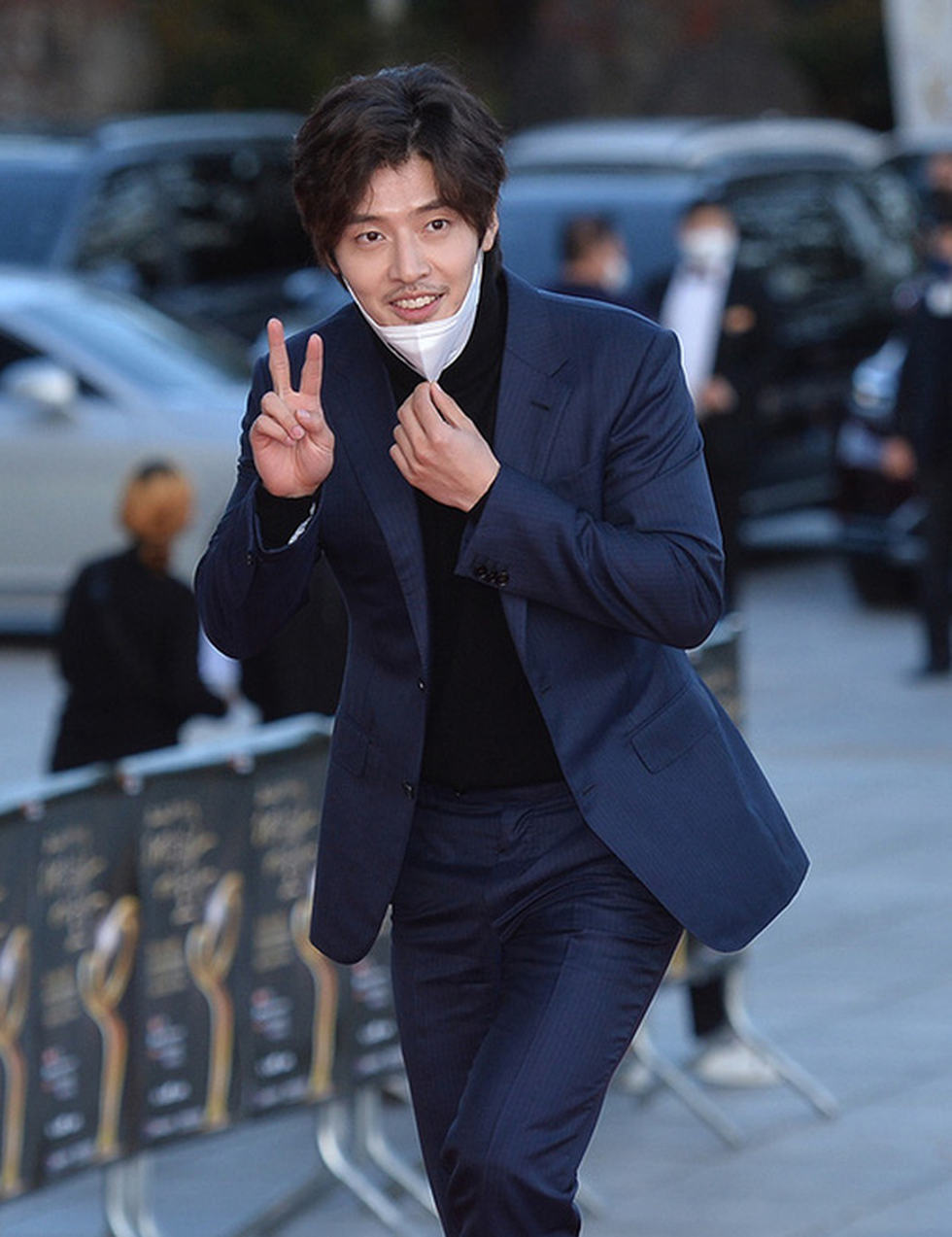 Diễn viên Hạ cánh nơi anh, Thế giới hôn nhân được Hàn Quốc trao bằng khen - Ảnh 5.