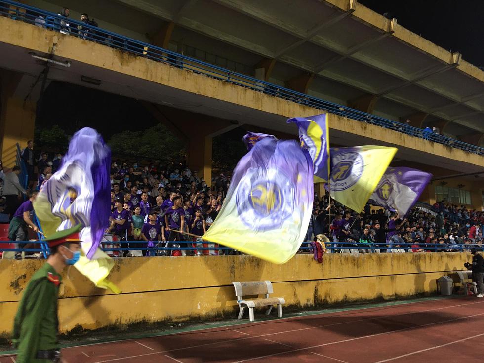 Hòa Viettel, CLB Hà Nội bị Sài Gòn vượt mặt trên bảng điểm - Ảnh 24.