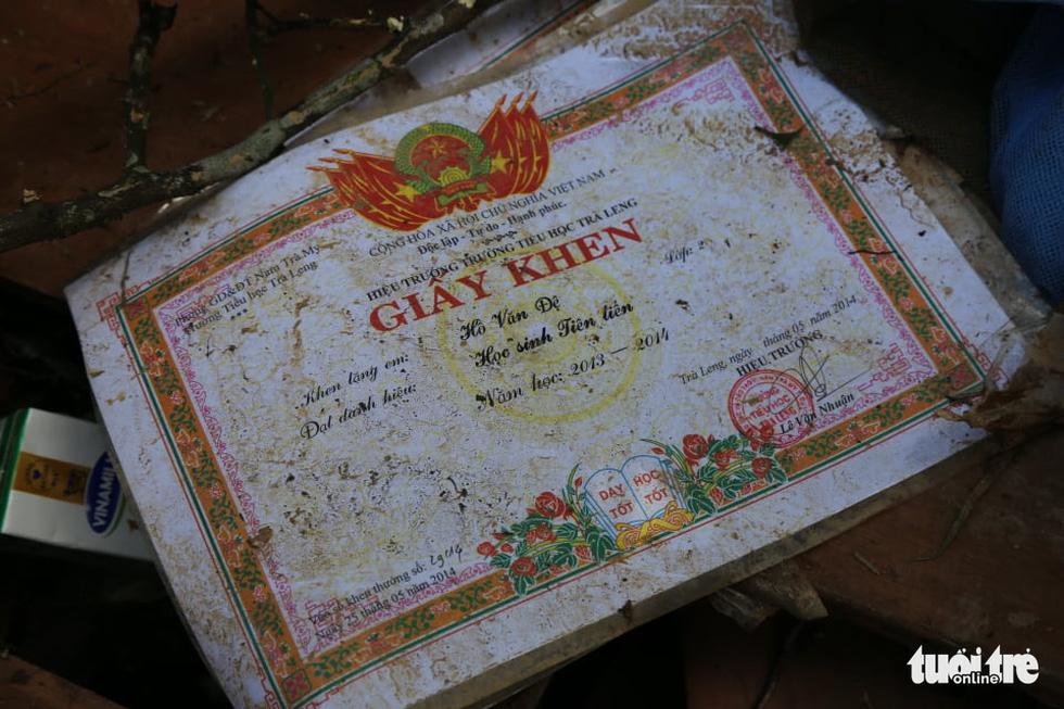 Những hình ảnh đầu tiên ngôi làng bị vùi lấp tại Trà Leng, Nam Trà My - Ảnh 8.