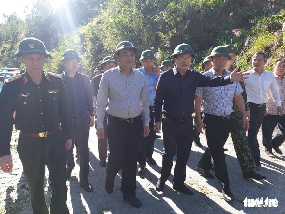 Nóng: Hai vụ sạt lở vùi lấp 53 người ở Quảng Nam, đã thông đường vào Nam Trà My - Ảnh 10.