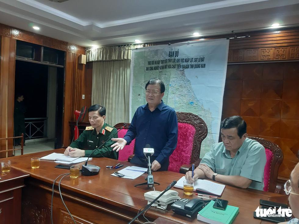 Nóng: Hai vụ sạt lở vùi lấp 53 người ở Quảng Nam, đã thông đường vào Nam Trà My - Ảnh 18.