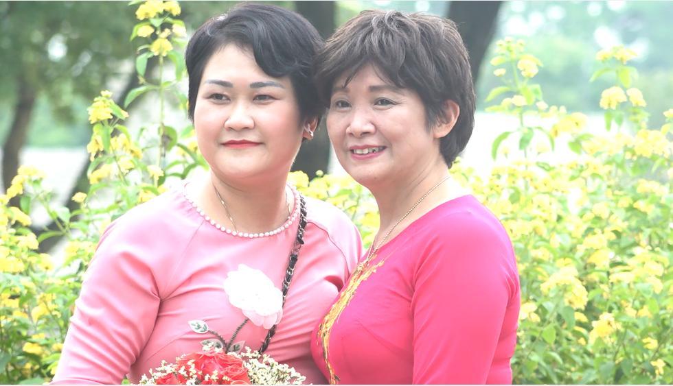 Những nữ 'chiến binh' rạng rỡ trong Tháng 10 hồng - Ảnh 12.