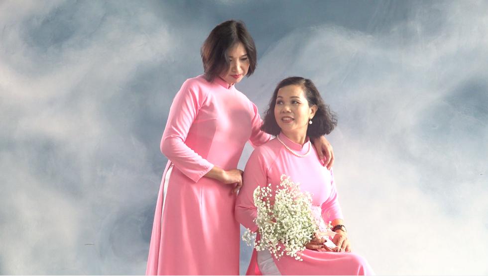 Những nữ 'chiến binh' rạng rỡ trong Tháng 10 hồng - Ảnh 5.