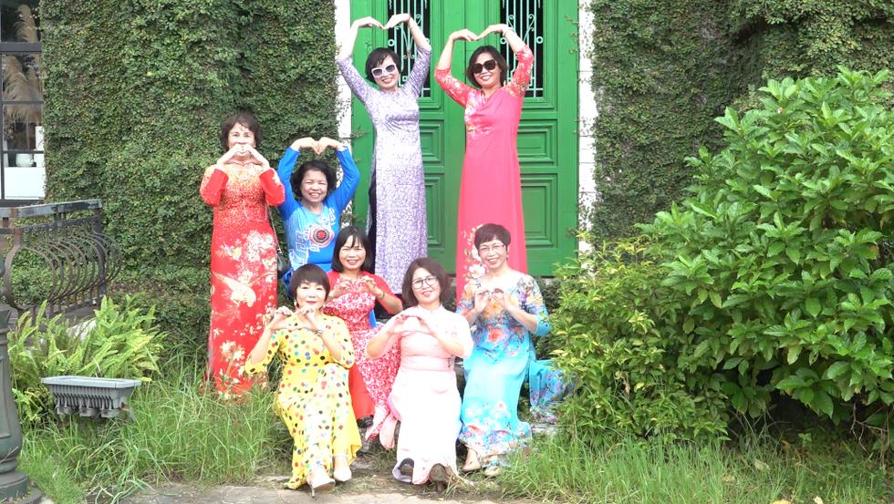 Những nữ 'chiến binh' rạng rỡ trong Tháng 10 hồng - Ảnh 11.