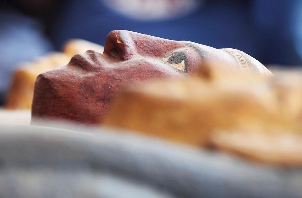 Ai Cập mở quan tài 2.500 năm tuổi, xác ướp còn nguyên - Ảnh 7.