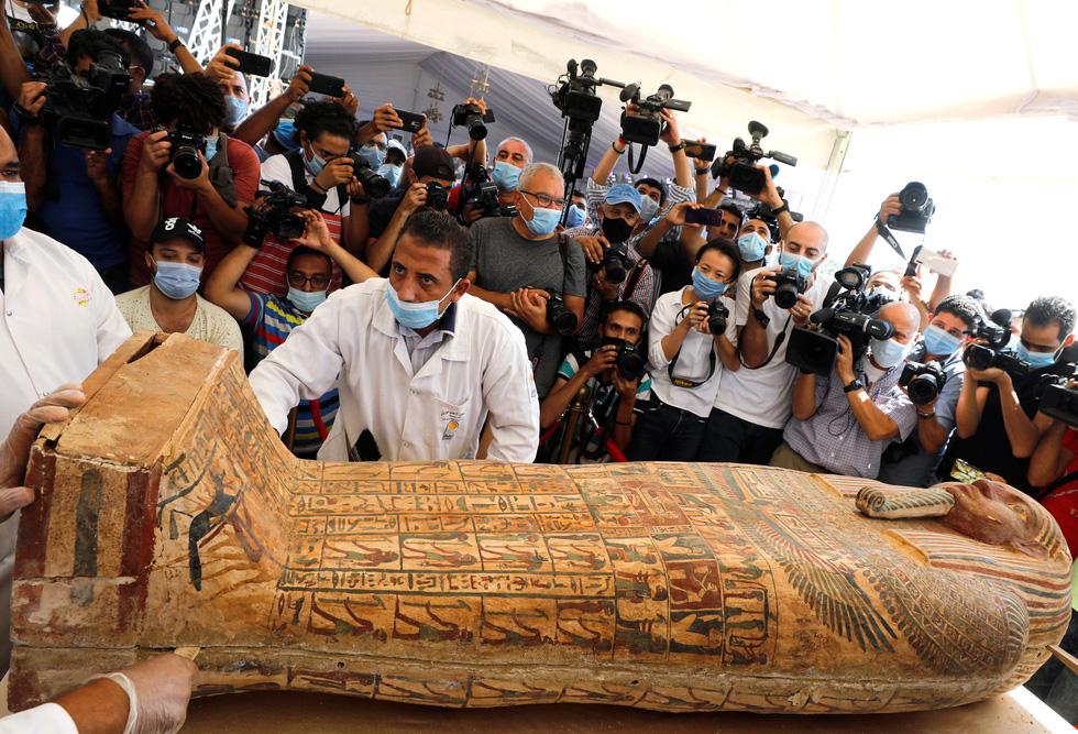 Ai Cập mở quan tài 2.500 năm tuổi, xác ướp còn nguyên - Ảnh 1.