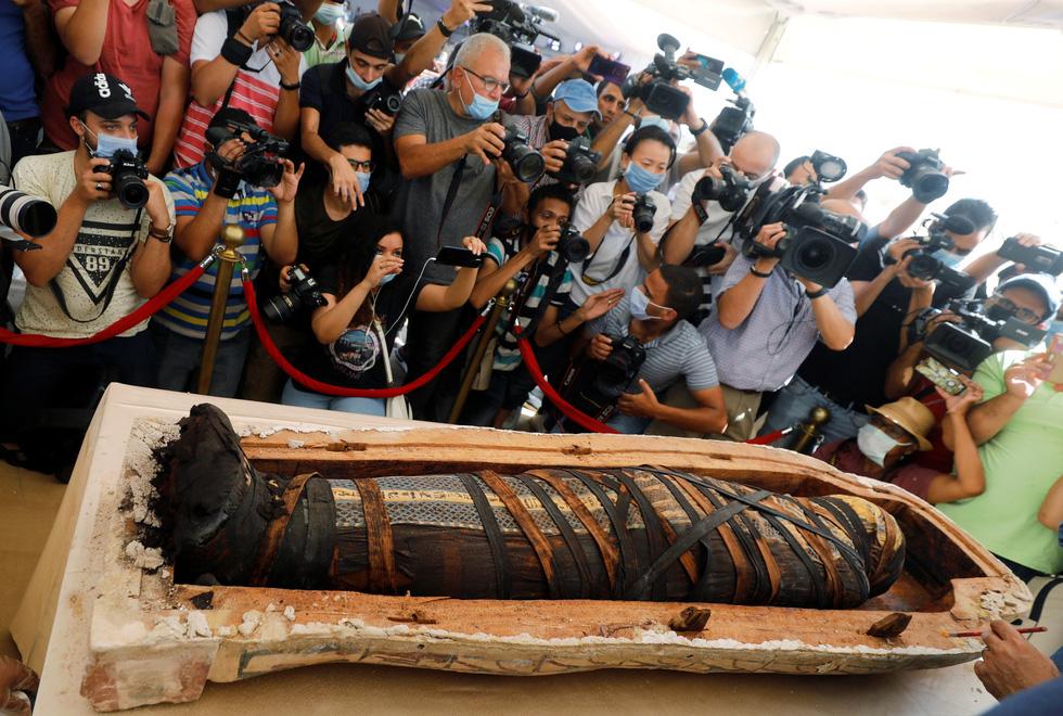 Ai Cập mở quan tài 2.500 năm tuổi, xác ướp còn nguyên - Ảnh 3.