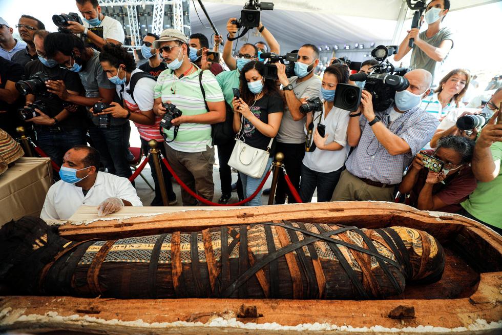 Ai Cập mở quan tài 2.500 năm tuổi, xác ướp còn nguyên - Ảnh 4.