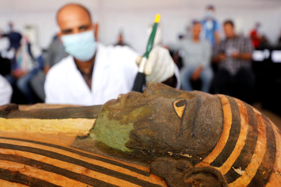 Ai Cập mở quan tài 2.500 năm tuổi, xác ướp còn nguyên - Ảnh 6.