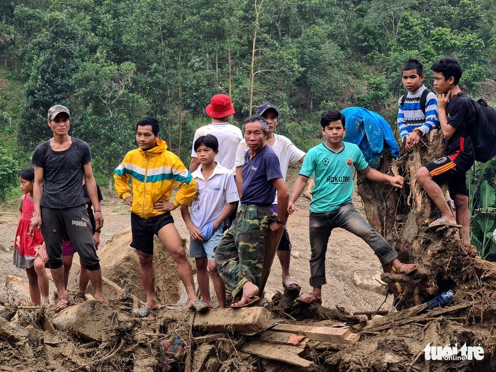 Cuộc tìm kiếm nhiều nước mắt bên dòng sông Leng - Ảnh 15.