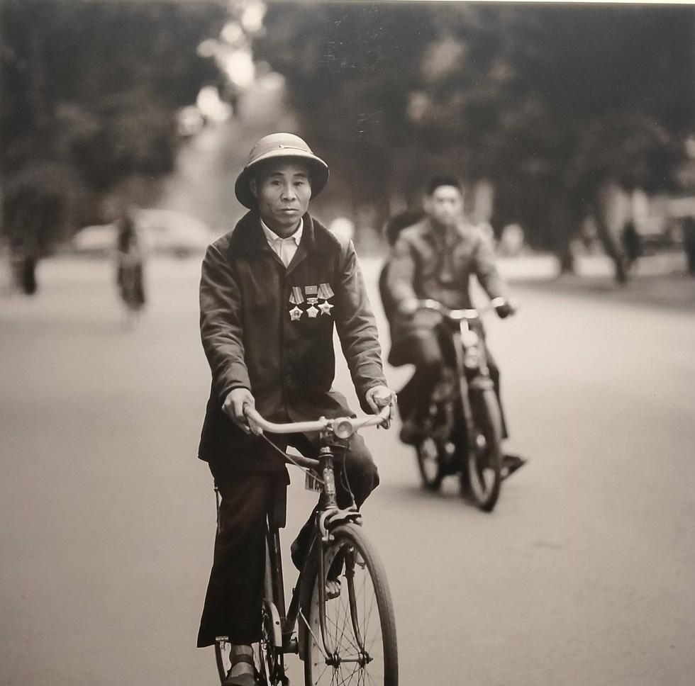 Những bức ảnh Hà Nội 1967-1975 của nhiếp ảnh gia Đức yêu Việt Nam sâu nặng - Ảnh 9.