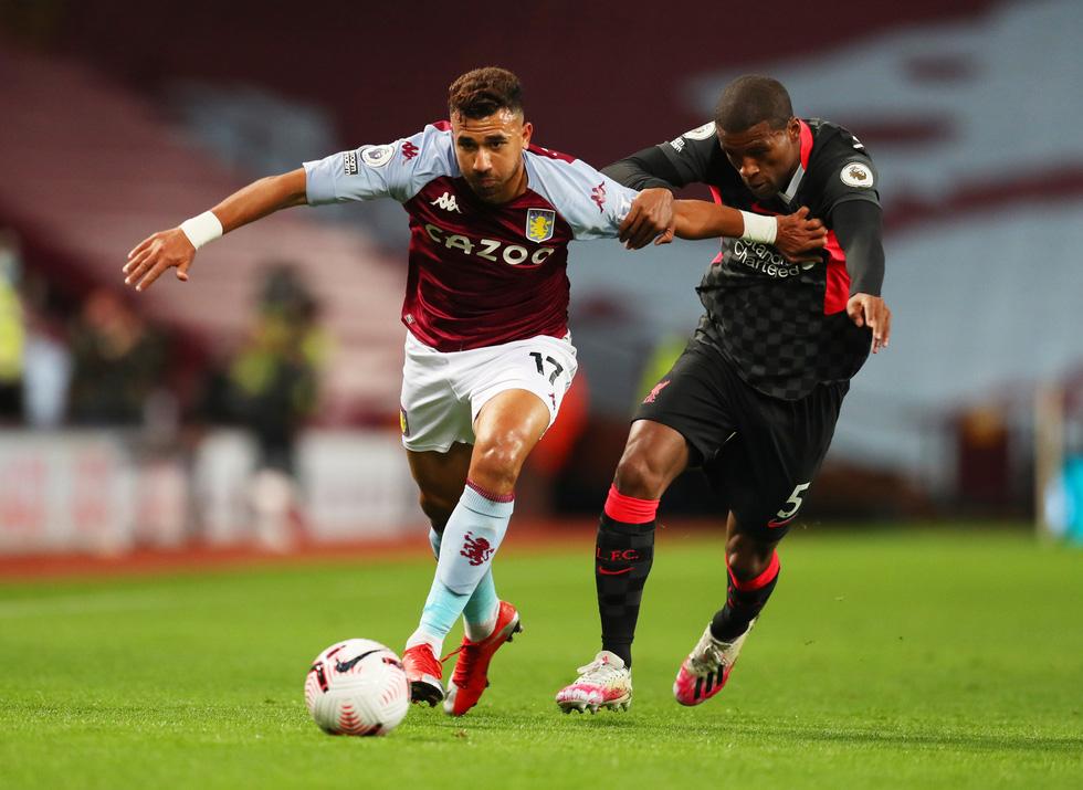 Những khoảnh khắc ấn tượng trong ngày Man Utd, Liverpool cùng bị nhấn chìm - Ảnh 15.