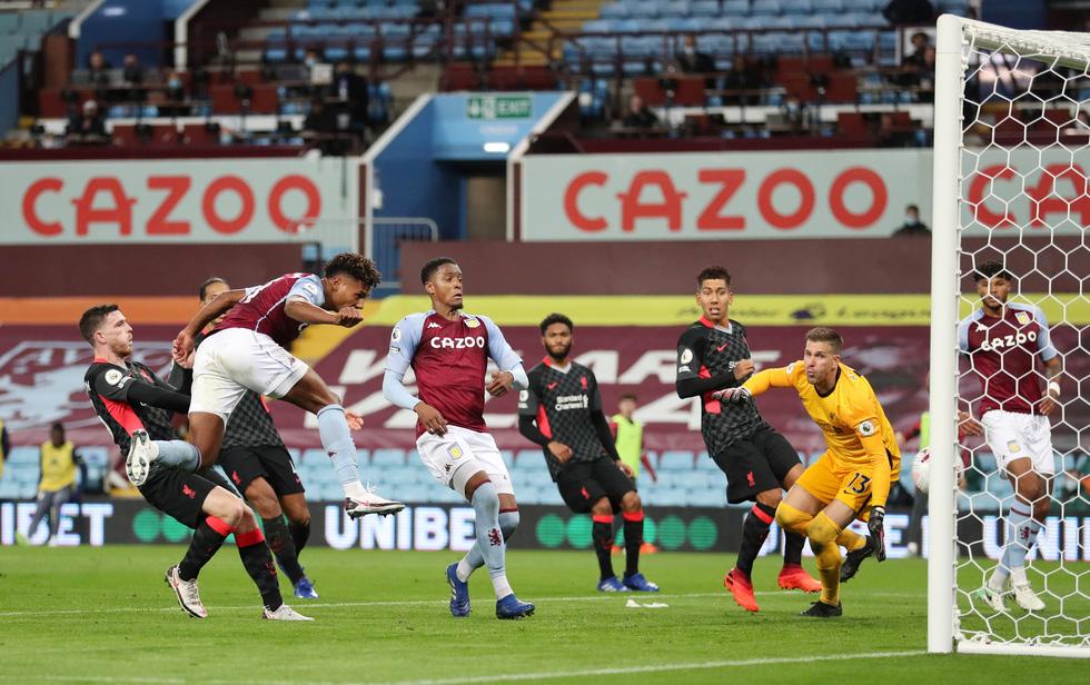 Những khoảnh khắc ấn tượng trong ngày Man Utd, Liverpool cùng bị nhấn chìm - Ảnh 17.